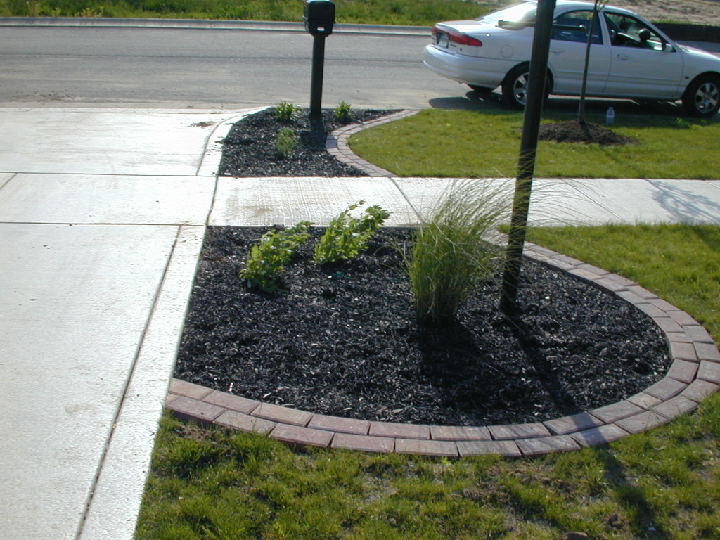 Garden pavers and edging : Simons landscaping paver edging